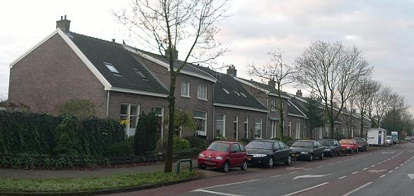 Voorgevels woningen aan de Schaerweijdelaan voor de transformatie