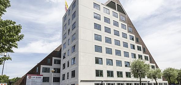 leegstaand kantoor 'Sphinxstate' aan de Diemerhof