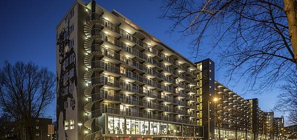 De Boel is getransformeerd van onaantrekkelijke stedenbouwkundige barrière tot uitnodigende schakel tussen Zuidas en Buitenveldert.