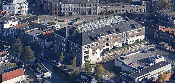 Het kaaspakhuis na transformatie - van bovenaf is het atrium goed zichtbaar