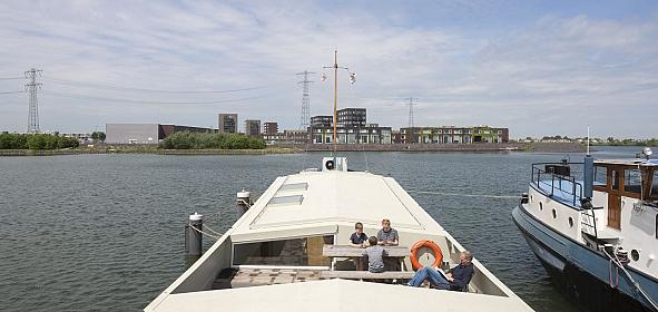 nieuwe situatie: den (de opbouw van het schip) met verlaagd dakterras. foto: Luuk Kramer