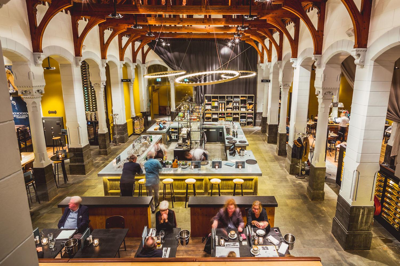 Transformatie en restauratie post plaza leeuwarden for Gulden interieur